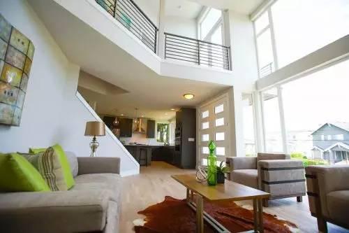 (图片来源:《西雅图时报》)-西雅图引疯狂竞价的破房子已被价值