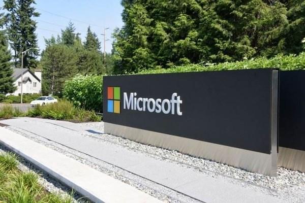 Surface Phone能挽救微软手机业务吗?  科技资讯 第1张