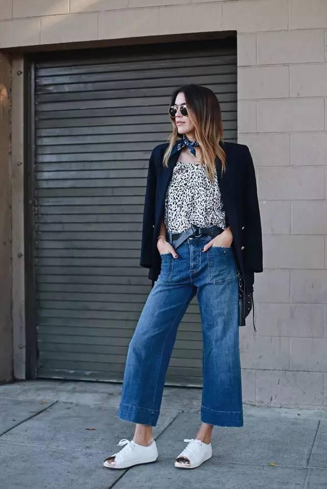 蓝白条纹衬衫+牛仔阔腿裤配玛丽珍鞋,-别再卷裤脚了,今年流行的裤