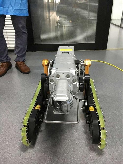 履带式爬行检测修复清淤机器人 高清图