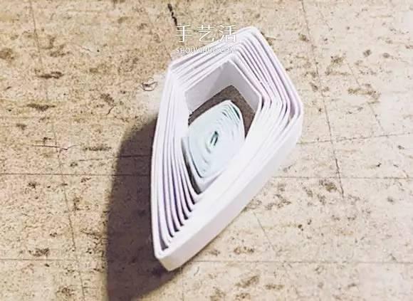 简单衍纸雪花教程图解 立体雪花的衍纸做法