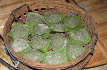 田艾米�t是广东湛江,茂名地区常见的食品,当地一般逢年过节家家户户