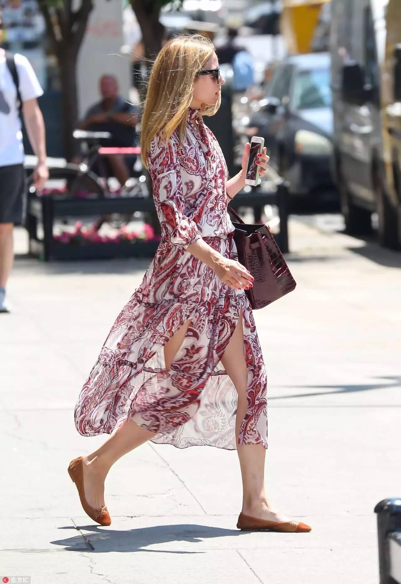 今年流行的中长裙,怎么穿才不失手