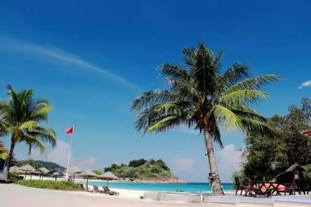 泰国 普吉岛   普吉岛是泰国最大的海岛,西海岸正对安达曼海,被