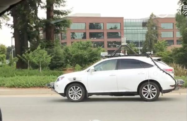苹果无人车上路再被拍:装配多个传感器和摄像头