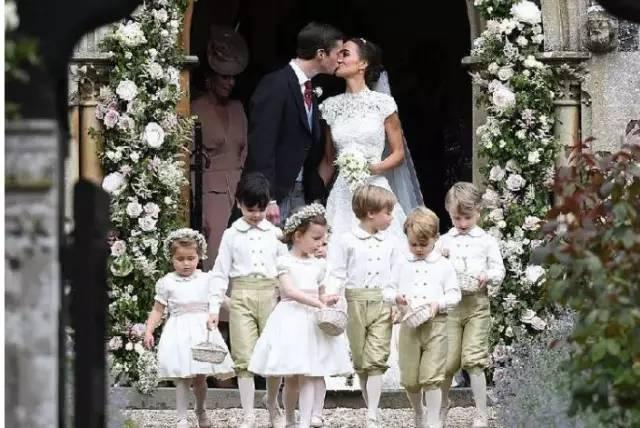 把大女儿培养成王妃,二女儿嫁给亿万富豪,她是谁