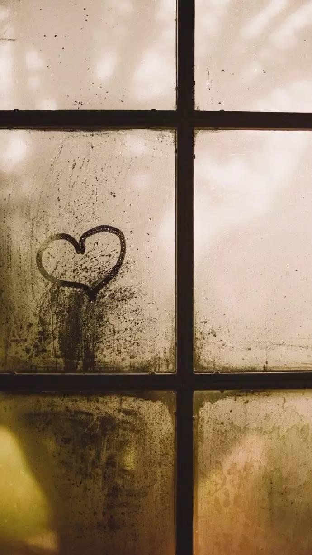 """时光心语:我和你到最后,不是一生,就是陌生。"""""""