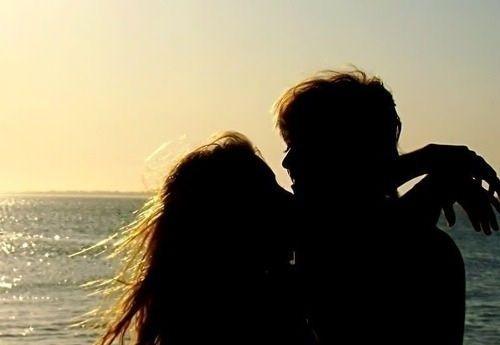 婚恋情感最好的爱,就是我需要的时候你恰好都在