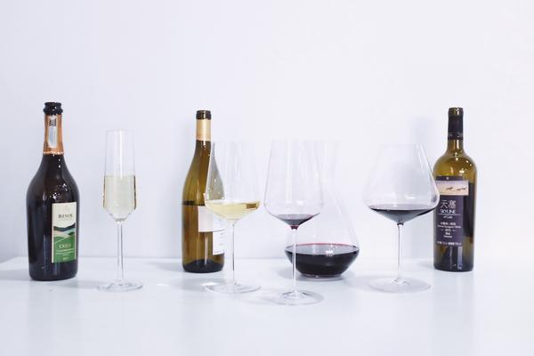 最专业的开瓶、醒酒与倒酒技巧示范,喝葡萄酒前这么准备就对了