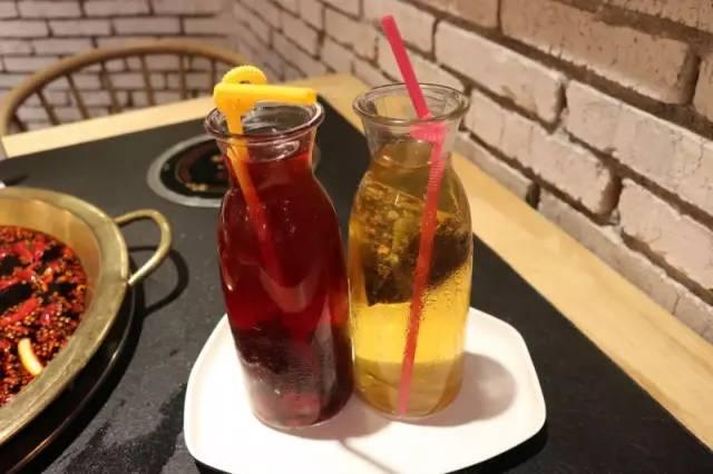 哈萨克斯坦冷饮火锅_美食 正文  吃完火锅,最幸福的就是来杯冷饮,解辣又解腻,这两款饮品