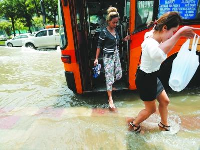 """曼谷暴雨图"""""""