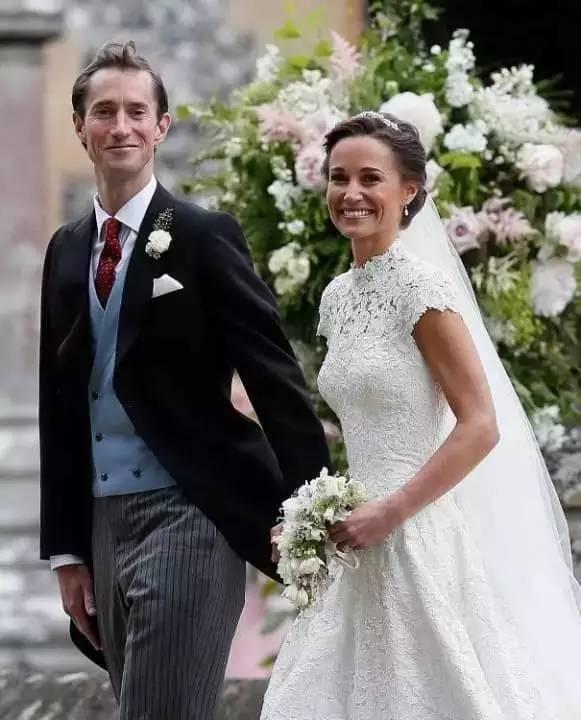 她的大女儿是王妃,二女儿又嫁给亿万富豪,这个辣妈到底何许人