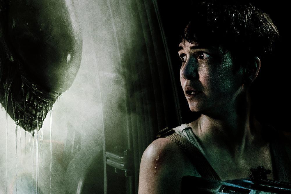 《异形:契约》曝女主版海报 凯瑟琳法鲨再续前缘