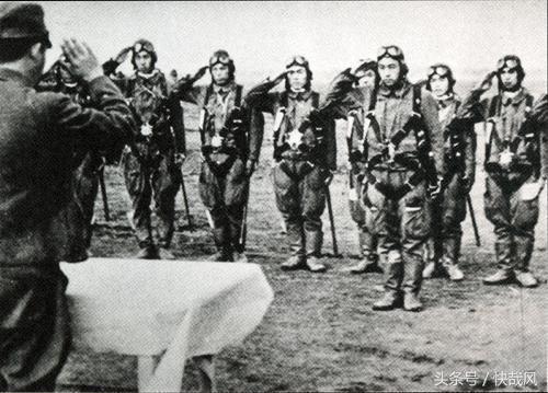 神风特攻,不仅是士兵:两个疯狂的日本将军,驾机自杀撞美舰