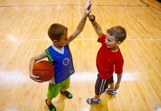 江苏星锐体育:少儿学篮球的好处