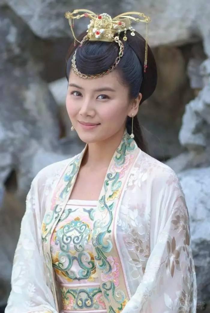 刘涛王瀹���jf_她被称为小刘涛,王凯迷恋她,闪婚嫁富豪又离婚!