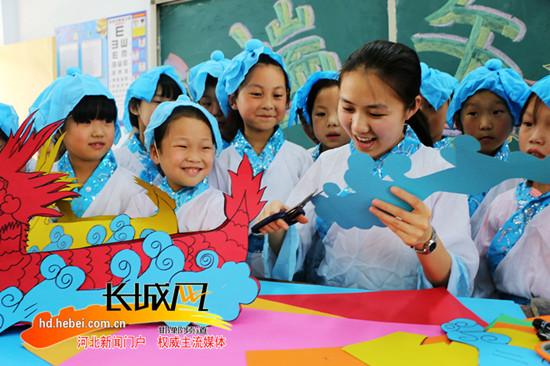 广平小学生创意手工课制作龙舟迎端午(组图)图片