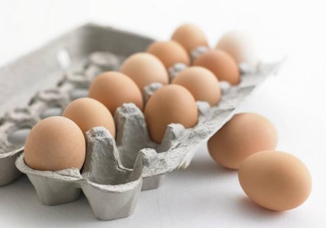 """原来鸡蛋买回家不能直接放冰箱……以前都做错了!"""""""