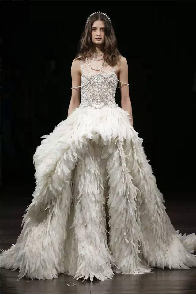 时尚感 女士 婚礼黄金季到 凯特王妃的妹妹穿着4万镑的婚纱嫁了,你的婚纱选好了吗