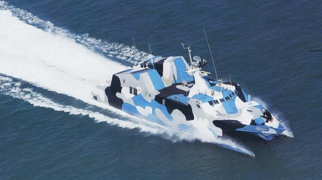 022型导弹艇的首艇2201号于2004年在上海江南造船厂交付中国海军服役
