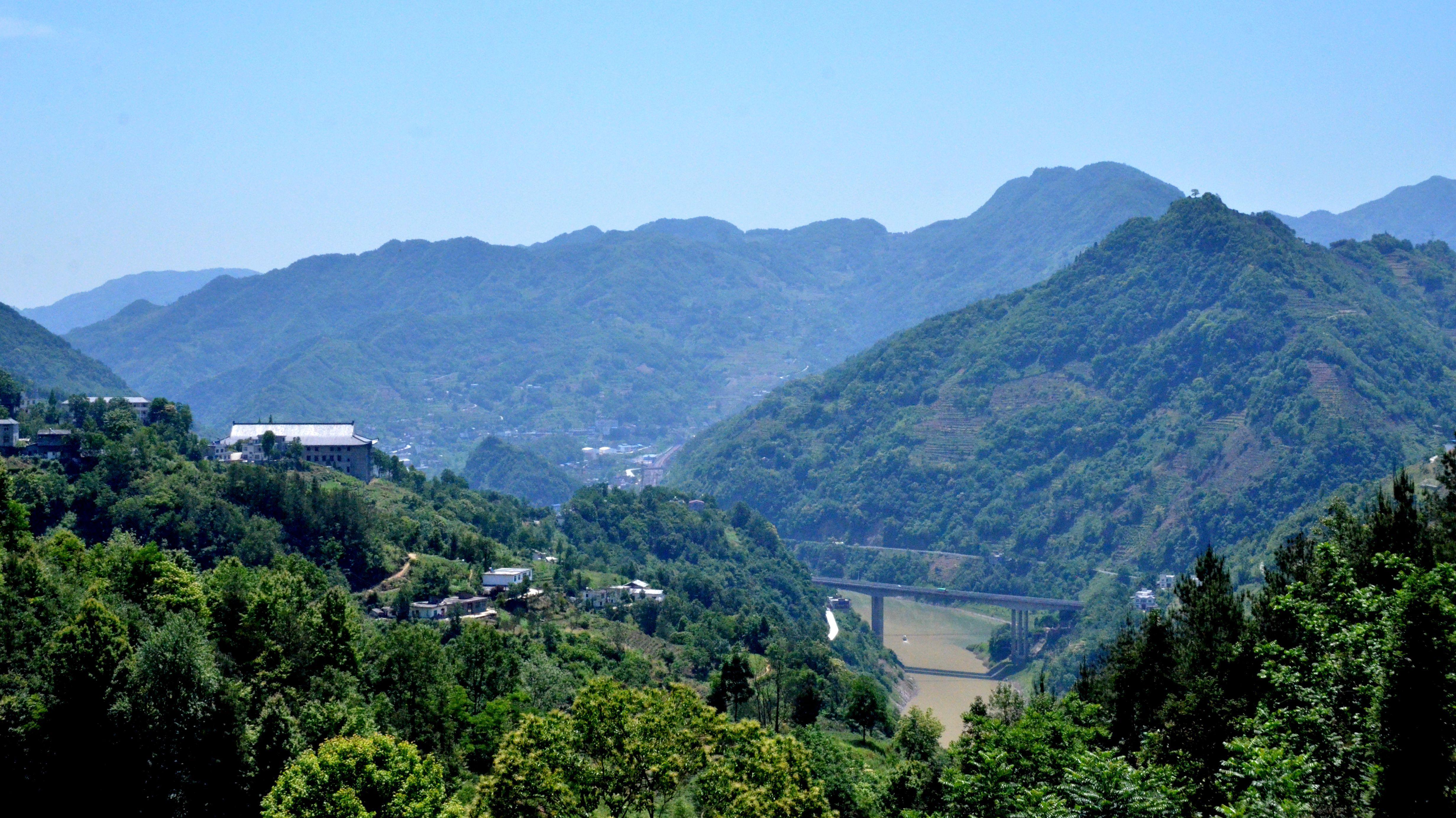 旅游扶贫助力紫阳茶业的发展