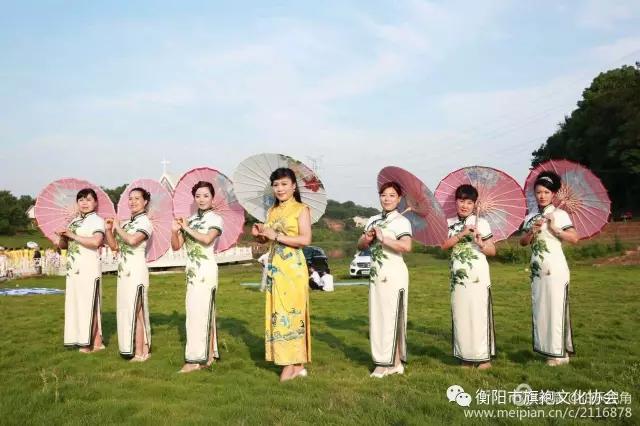 领秀衡阳金钟.雨母艺术小镇千人旗袍文化之旅上演