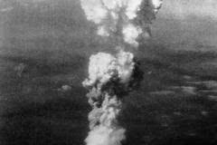 """二战日本最惨的不是遭遇原子弹,美军对东京的""""燃烧"""""""