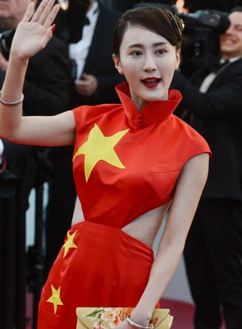 蹭红毯要有女王,戛纳电影节上谁是红毯电影?视频暗战1格调插曲图片