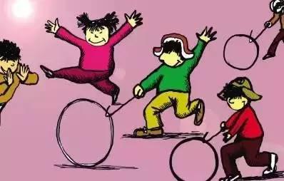 滚铁环:用铁勾推动铁环向前滚动,以铁勾控制其方向,可直走、拐弯图片