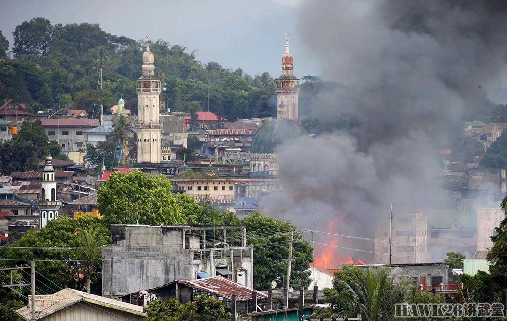 菲律宾马拉维市战火未熄 致百人丧生