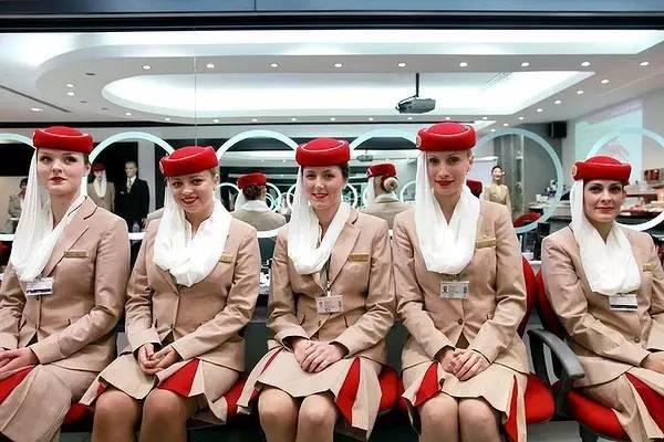 一位阿航华籍空姐 万米高空看国民素质,我很悲伤图片