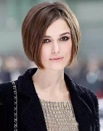 干练的短发型,配上中分,时尚女王范十足.超适合方脸妹子们的图片