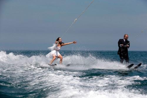 """乘风破浪!黎巴嫩新人的""""水上漂""""婚礼组图"""