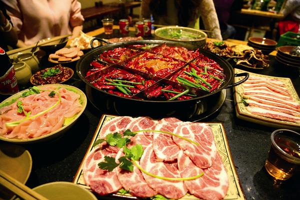 现在我们就来看看重庆火锅2017年的最新排行榜前十强,每个人的口味不
