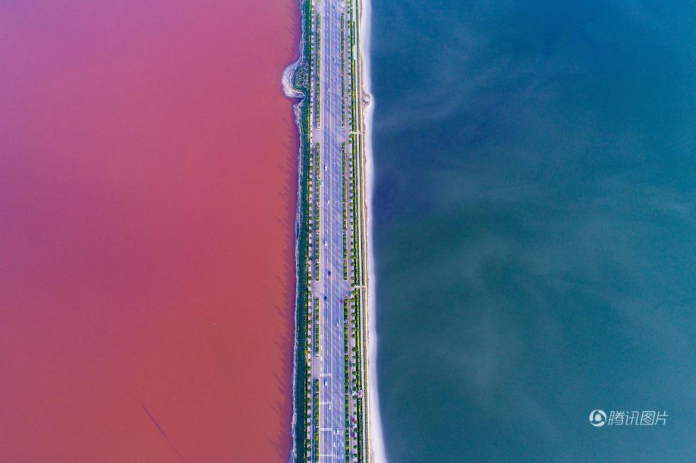 """山西运城盐湖变""""鸳鸯锅"""" 半红半绿(组图)"""