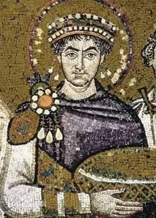 ,尽管拜占庭在马其顿王朝再度繁荣过一次,但再也没有能像他统