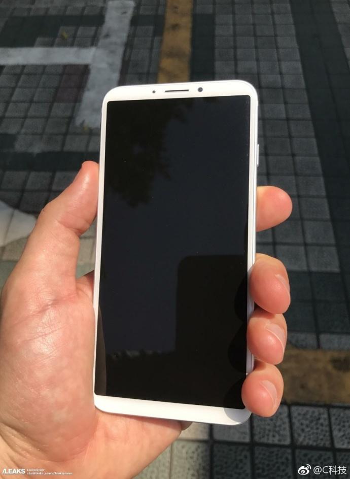 iPhone 8真机遭曝光,金属机身 后置指纹,丑爆了 aso优化 第6张