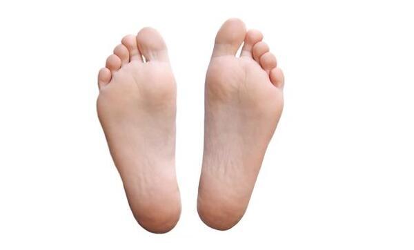"""你不一定要脚踩七星,脚底有这三个特点预示长寿"""""""
