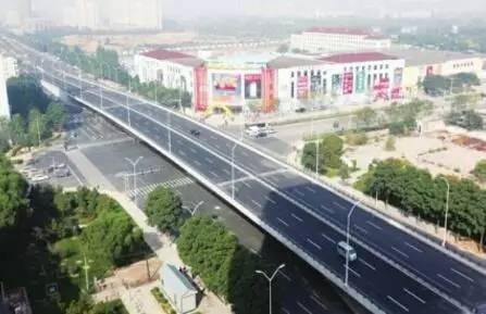 今年,太原市将组织实施以下道路项目:龙城大街东延工程,定位为城