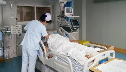 67岁产妇子女未现身病房