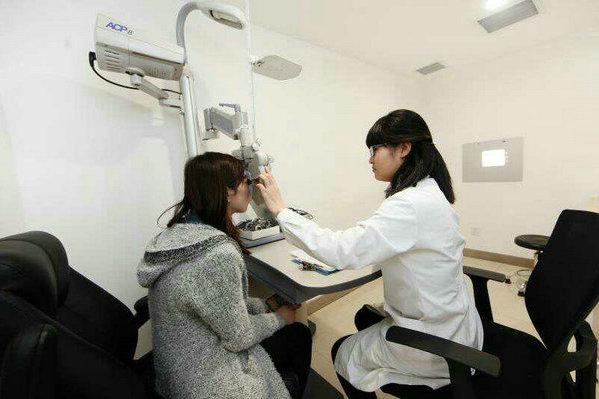 """陕西将连开7家眼科医院  近视手术价格或面临""""雪崩"""" - 视点阿东 - 视点阿东"""