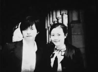 李健老婆孟小蓓_李健与妻子孟小蓓青梅竹马的甜蜜爱情史