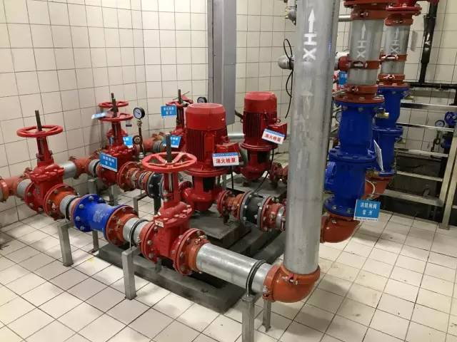 消防水泵房管道及附件安装-一睹地铁项目机电安装的风采