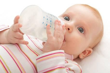 寶寶多大斷配方奶粉