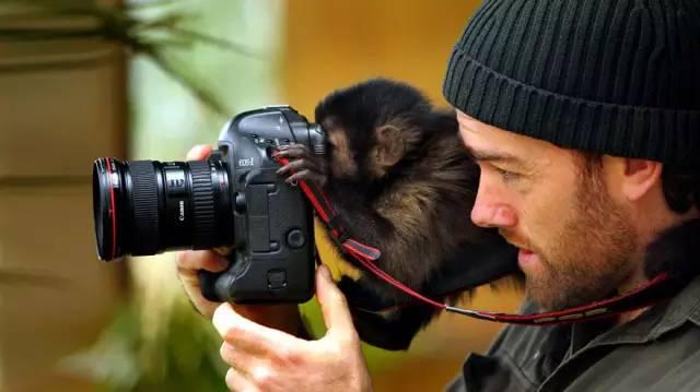 【世界摄影地理--分享】比摄影师还摄影师的摄影师,真是醉了!