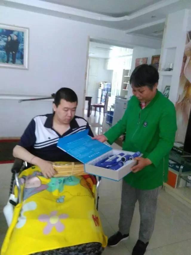 关爱残疾人,社区在行动图片