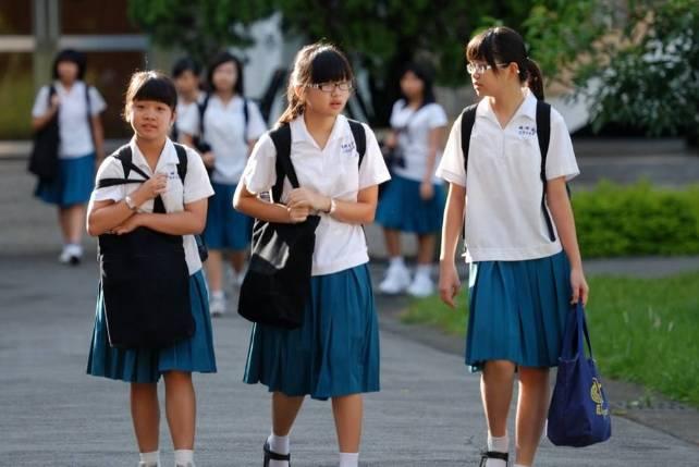 济宁中小学收费有了硬杠杠,下月起执行!校服费,住宿费图片