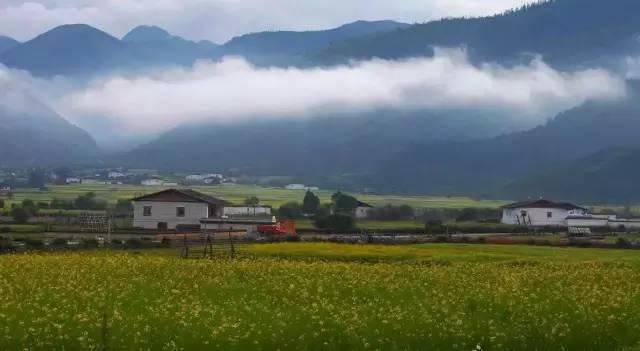 选五胆拖表:旅游发朋友圈的精美句子:广州十大旅游景点之首历史不过百余年所有人到广