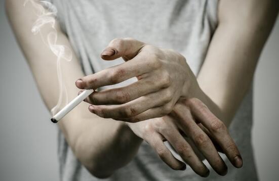 """肺癌晚期最短只能活几个月,如何能活得更久?"""""""