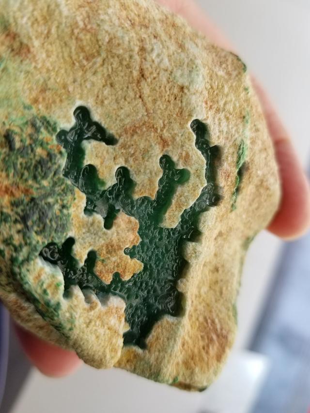 凹凸翡翠原石--木那至尊!